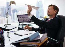 مغرور ويغازل الموظفات.. 20 علامة تشير إلى أن مديرك في العمل