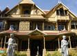 Wer es betritt, ist verloren: Diese Frau hat ihr Haus in eine Horror-Villa verwandelt