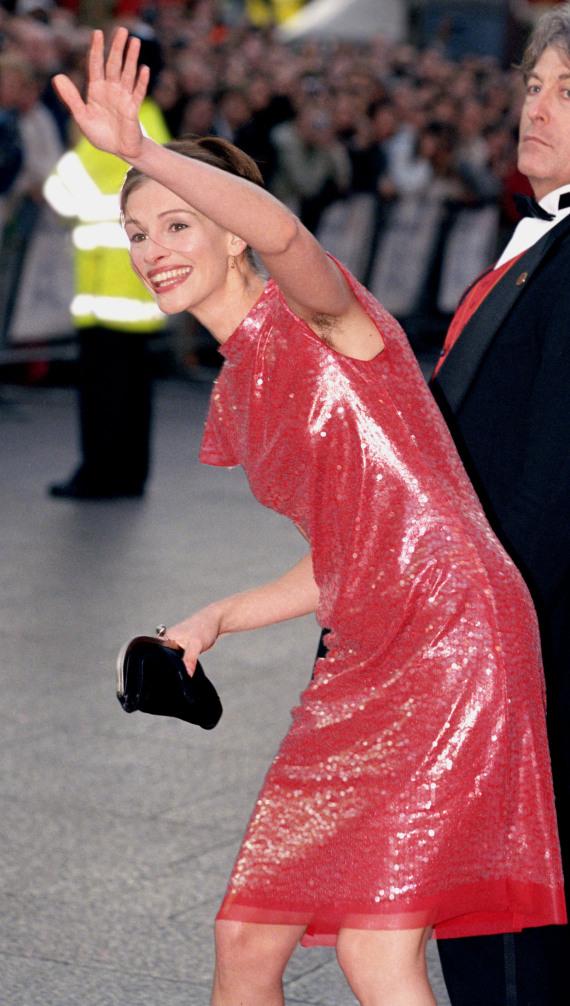 julia roberts 1999 red