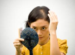 تساقط الشعر ليس دائماً وراثياً.. وهذه الأطعمة تحميك من الصلع
