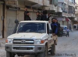 Verschleppt, gefoltert und zum Islam gezwungen: Wie ich in Gefangenschaft der al Nusra-Terroristen geriet