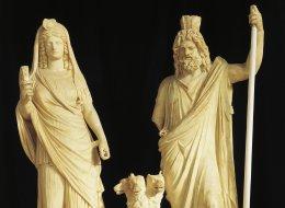 إلهةٌ لصناعة الأوعية والأعمال الصوفيَّة.. وإلهٌ للزراعة والخصوبة.. لماذا قدَّسهم قدماءُ اليونان؟