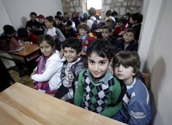 syrian children in istanbul
