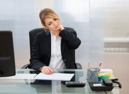 5 طرق تساعدك على خفض وزنك إذا كنت تقضي يومك كاملاً في العمل جالساً