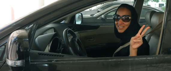 SAUDI WOMAN CAR DRIVE