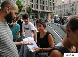 Πώς μια 16χρονη Ελληνίδα βοηθάει τα παιδιά των προσφύγων
