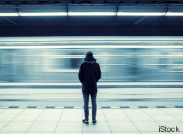 Epidemie der Einsamkeit: Warum Drogen, Depressionen und Selbstmorde unter Schwulen so verbreitend sind, wie noch nie