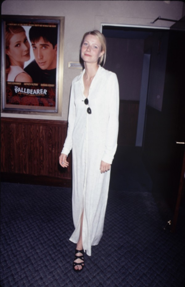 Gwyneth Paltrow S Monochromatic Style A Look Back Huffpost