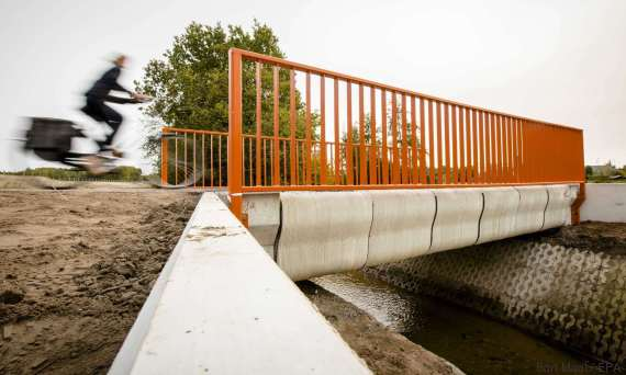 first 3dprinted bridge