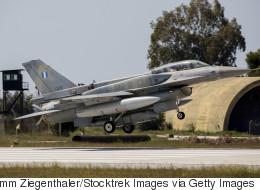 Οι θεσμοί εξετάζουν τη συμφωνία για την αναβάθμιση των ελληνικών F-16