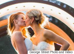 로맨틱한 키스 장면을 찍은 웨딩 사진 37컷