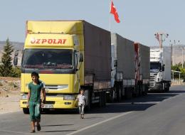 رحلة سرية لم توقفها الحرب والحظر.. هكذا تدخل البضائع التركية عبر مناطق المعارضة ولبنان إلى دمشق