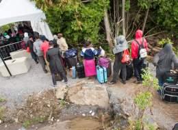 بلد الأحلام يكافح من أجل اللاجئين.. حكومة ترودو تواجه معضلةً جعلت حياة المهاجرين معقدة في كندا