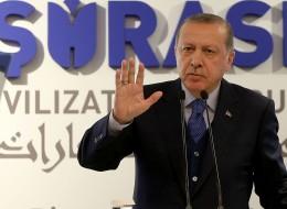 المسلمون ليسوا حقل تجارب للثقافات والأديان الأخرى.. أردوغان ينتقد استخدام زعماء غربيين لـ