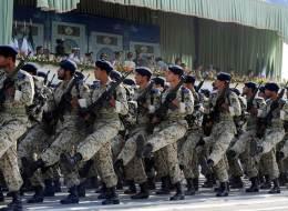 إيران تحاصر إمبراطورية الحرس الثوري بالاعتقالات والتضييق المالي.. وقادته يراهنون على ترامب!