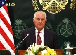 أميركا تعرض استضافتها الحوار لحل أزمة الخليج.. وتيلرسون: السعودية ليست مستعدة لبدء محادثات مع قطر