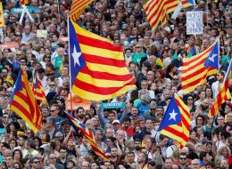 الكتالونيون يتأهبون لحرب استنزاف.. سيكونون سعداء إذا تدخلت مدريد بعنف ضدهم ولكن لديهم نقطة ضعف صارخة