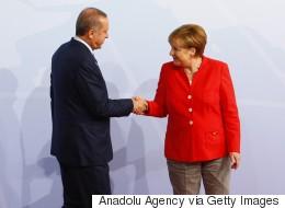Bloomberg: Η Γερμανία πιέζει για περιορισμό της διεθνούς χρηματοδότησης στην Τουρκία