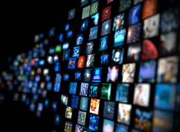 كيف تحولت المآسي الإنسانية إلى بضاعة.. 6 أساليب تسيطر بها وسائل الإعلام على عقولنا