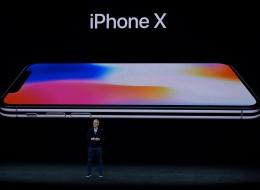 إذا كنت تودُّ إصلاح شاشة آيفون 10.. فبإمكانك شراء هاتف آخر جديد.. إليك التكلفة الباهظة