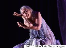 102세의 나이로 무용극을 만드는 할머니의 이야기