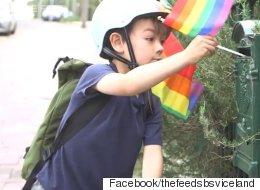 이 6살 아이가 집집마다 무지개 깃발을 꽂는 이유