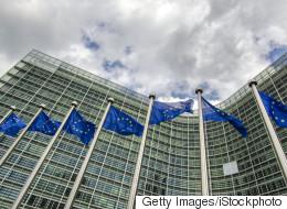Την ανάγκη να αυξηθούν οι κατώτατοι μισθοί στην ΕΕ υπογραμμίζει η Ευρωπαϊκή Συνομοσπονδία Συνδικάτων