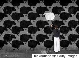 لماذا أصبحت تحكمنا سياسة القطيع و