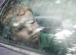 Missbrauchsopfer klärt auf: Daran erkennt ihr, ob eurer Kind sexuell missbraucht wurde