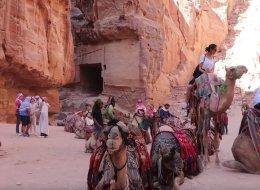 رحلة إلى البتراء .. قصص حب أجنبيات من بدو الصحراء في الأردن وجمال الموقع الخلاب