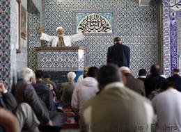 Emiratischer Minister fordert von Deutschland mehr Kontrollen von Moscheen