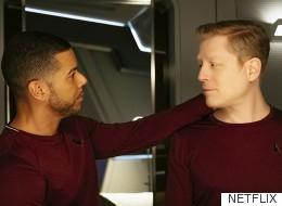 '스타트렉 : 디스커버리'가 프랜차이즈 첫 게이 키스로 역사를 만들다(동영상)