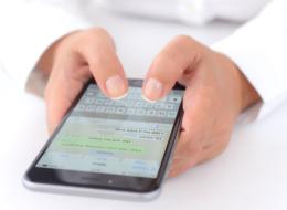 يُمكنك إرسال الرسائل الصوتية في واتساب دون الحاجة لإبقاء الأصبع على زر الميكروفون