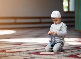 لهذه الأسباب لا تصطحبوا أطفالكم إلى المساجد