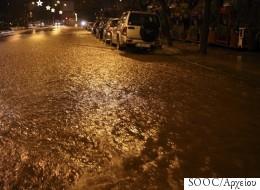 Κινδύνευσαν άνθρωποι στη Λάρισα από την κακοκαιρία