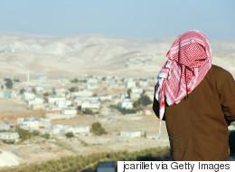قررت إعطاء الناس حرية التصرف في جسدها لست ساعات.. هل يحتاج الفلسطينيون لهذه التجربة؟
