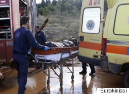 Στους 21 οι νεκροί από τις πλημμύρες: Ανασύρθηκε πτώμα από το αμαξοστάσιο του δήμου Μάνδρας
