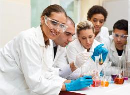تعرَّف على العادات العشر التي نجح بسببها أغلب العلماء والمشاهير