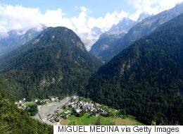 Βαρεθήκατε τη θορυβώδη ζωή της πόλης; Ελβετικό χωριό πληρώνει όσους μετακομίσουν εκεί