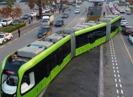 بكين تطلق قطارها الذكي الأول من نوعه على مستوى العالم.. يسير بلا قضبان وبطاقة كهربائية ولا يلوث البيئة