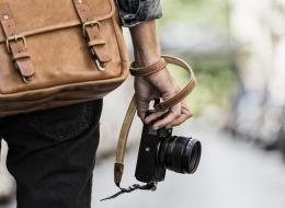 مصور سيء الحظ: انتظر طويلاً لتصوير لحظة الانفجار ومرور حافلة أفسد الصورة.. شاهد