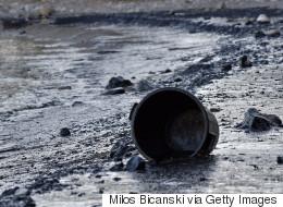 Σε περίπτωση που ξεχάσατε τον Σαρωνικό: Ολοκληρώνεται η επιχείρηση απορρύπανσης