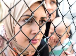 حتى لا تتكرر المأساة ثانية.. كيف يتصرف اللاجئون إذا جاءت الشرطة الأجنبية لأخذ أطفالهم