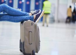 حيل تضمن لك خروج أمتعتك في مقدمة سير تسلُّم الحقائب بالمطار
