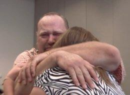 فيديو: مصاب بإعاقة يصبح مليونيراً في 77 ثانية بفضل بطانية جدته!