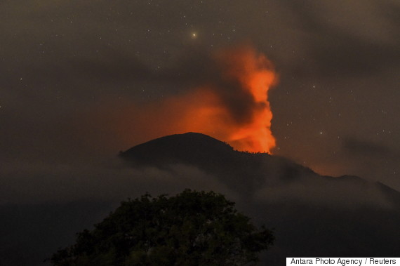 bali airport volcano