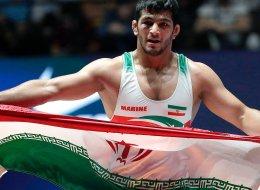 إيران تكرِّم لاعباً بمنتخب المصارعة لأنه خسر تصفيات بطولة العالم متعمِّداً!