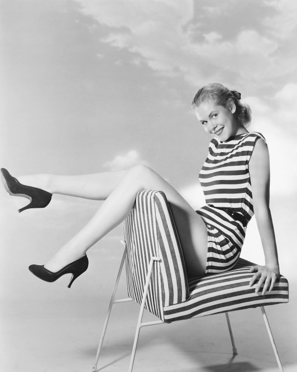 Elizabeth montgomery s bewitching style a look back the huffington