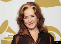 Bonnie Raitt Right Down The Line