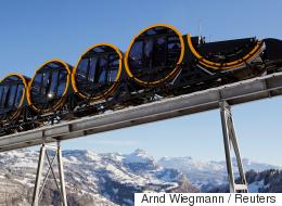 استغرق بناؤه 14 عاماً ويقطع 10 أمتار بالثانية.. سويسرا تطلق أعلى قطار معلّق في العالم